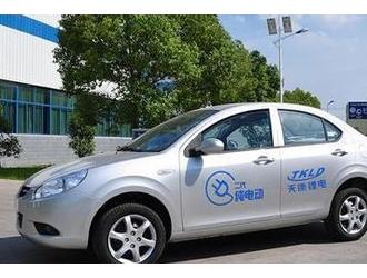 电动轿车开展呼喊高性能锂电池