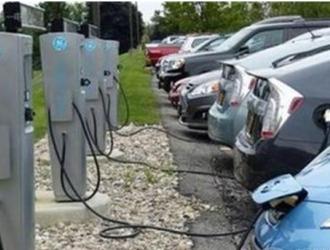 中国电动汽车充电基础设施快速增长 同比增速80.1%