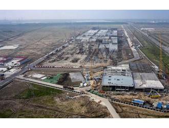 特斯拉上海超级工厂初具规模 年底周产将达2000辆