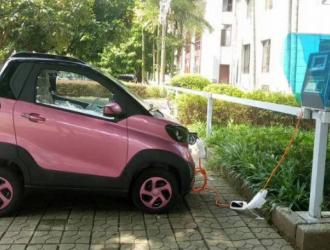 河南新规:新能源车停车费减半、新建小区充电桩均能充电