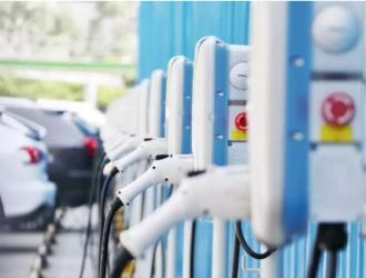 德勤:英国未来十年需新增2.8万座公共充电桩