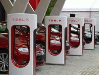 特斯拉超级充电桩,充10分钟跑300公里,换电站还有意义吗?