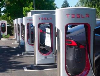 特斯拉正在加州新建全球最大超级充电站 配有56个充电桩