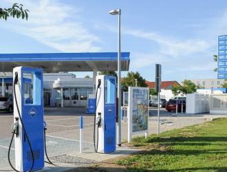 德国政府豪掷190亿元为加油站安超充桩