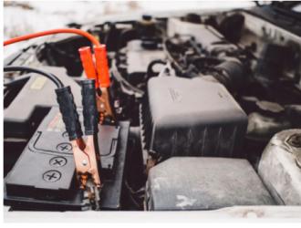 """车企忙""""换电"""" 租电池比买整车更合算?"""