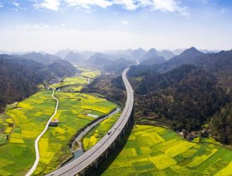 贵州高速公路通车里程达7607公里,停车区102对