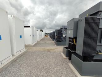 特斯拉与 Autobidder 在英国启动了一个新的储能项目